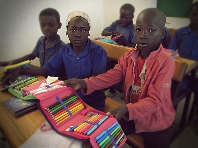 Razem wyślijmy piórniki dla dzieci do Afryki