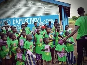 Uczniowie Szkoły Podstawowej Dzieci Afryki