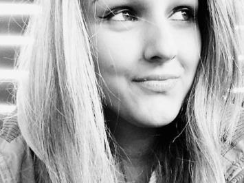 Ania L.